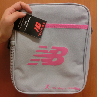 全新✨New balance灰色運動側背包