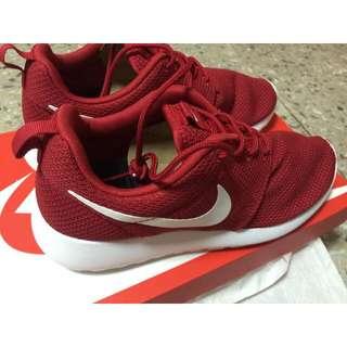 保留中💛(全新)Nike Roshe One 尺寸24