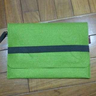綠色不織布手拿包