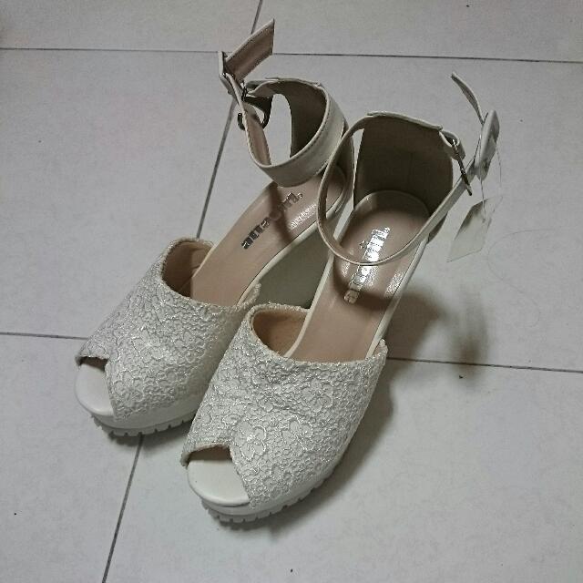 免運*蕾絲白魚口鞋