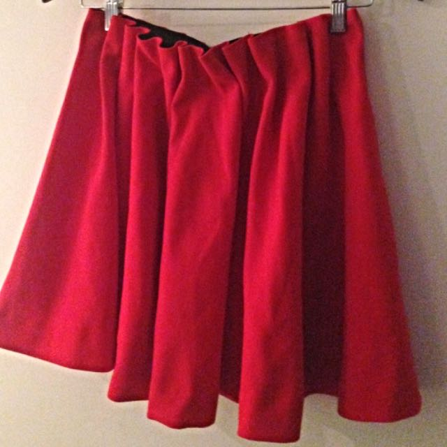 H & M ## RED SKIRT SIZE 8 HOT HOT HOT