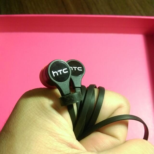 HTC E8送的原廠耳機