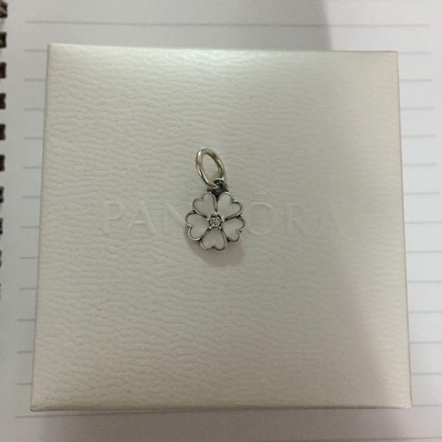 Pandora 潘朵拉 小花串飾❤️