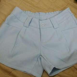 水藍色短褲(s)
