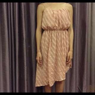 粉色長洋裝