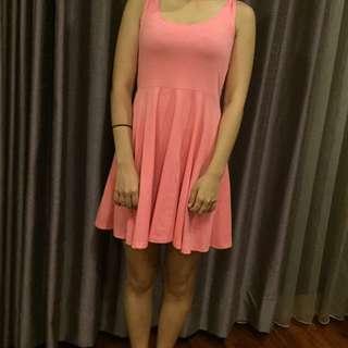 粉色小可愛內搭洋裝