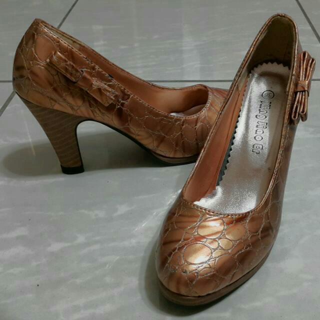 古銅色高跟鞋36