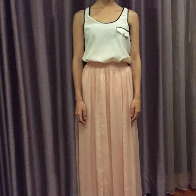 粉色長裙+無肩雪紡襯衫