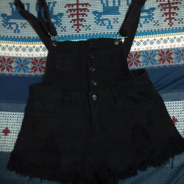 黑色刷破吊帶短褲(含運)