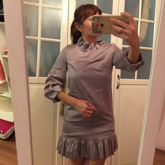 灰絲質薄洋裝