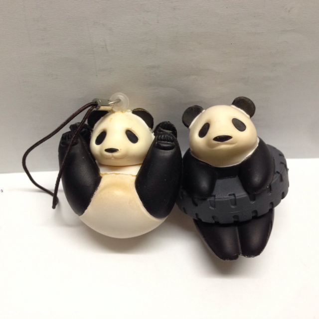 療癒 熊貓 扭蛋吊飾 (兩隻一起賣50)