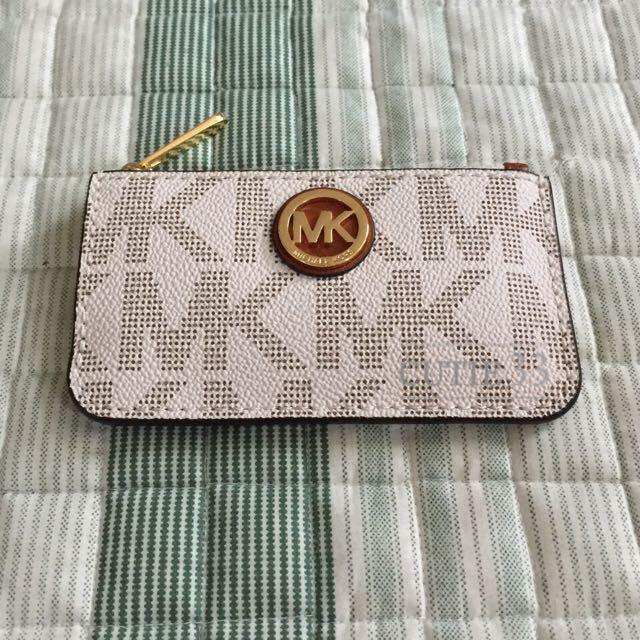 特價出清 Michael Kors MK圓牌零錢包 - 經典logo(白)
