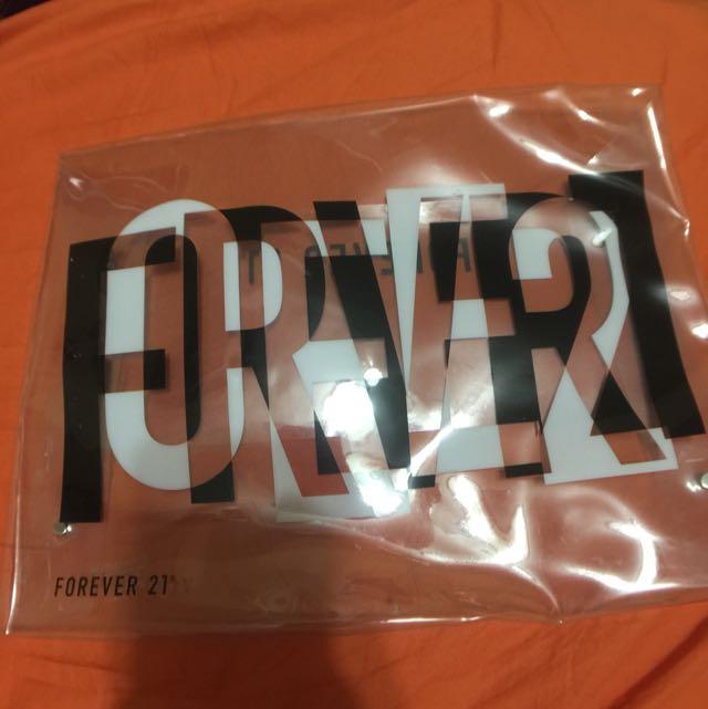 Forever21透明英文字手拿包