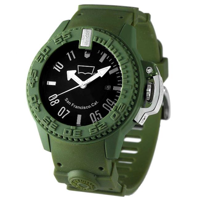 Levis 綠軍事風格手錶