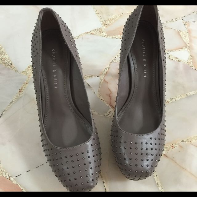 Shoes: Charles And Keith Size 7/ 37