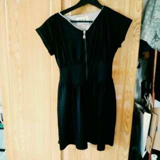 完全勾引男友丈夫用的黑色小洋裝