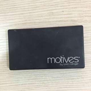 Motvies近全新眉粉組合,原購入1千,沒什麼使用去年購入