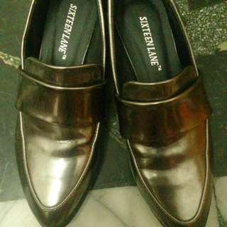 古銅色尖頭鞋。23號 ((已含運))