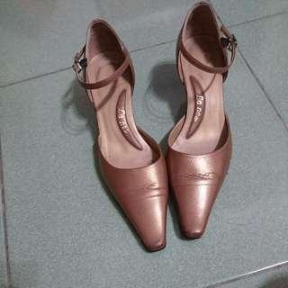 [降價] 二手 La New 五公分尖頭女鞋