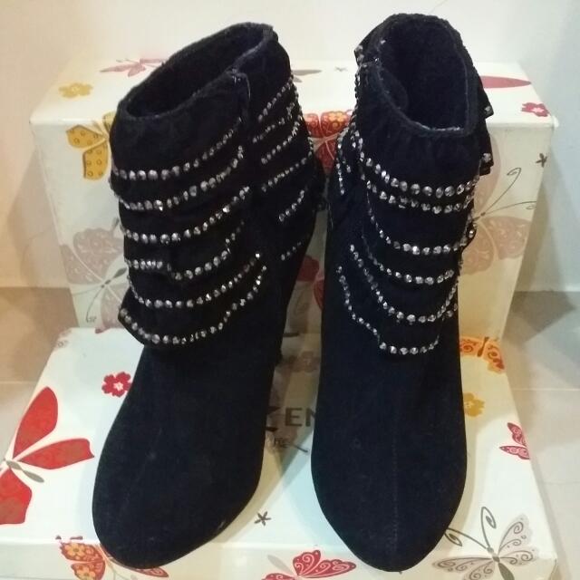 【二手】9成新 絨毛細跟靴