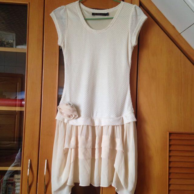 米白垂墜洋裝-代售