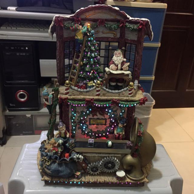 聖誕節氣氛裝飾(燈加音樂禮物還會轉)