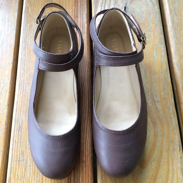 復古巧克力色厚底交叉綁帶圓頭娃娃鞋23號 穿過1次