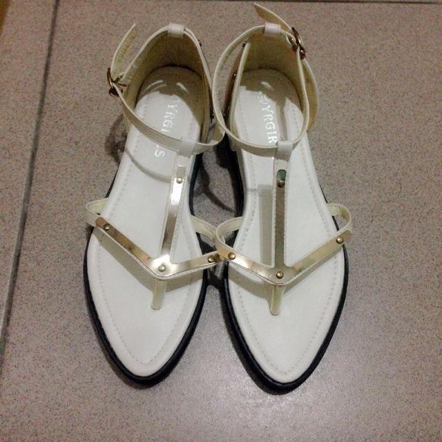 白色造型涼鞋 超好看有個性款✨ (全新沒穿過喔)