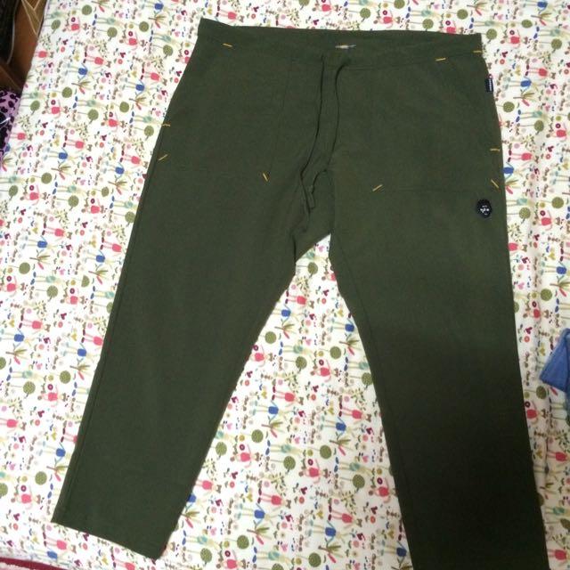 (保留)黑人頭 軍綠色寬褲 F