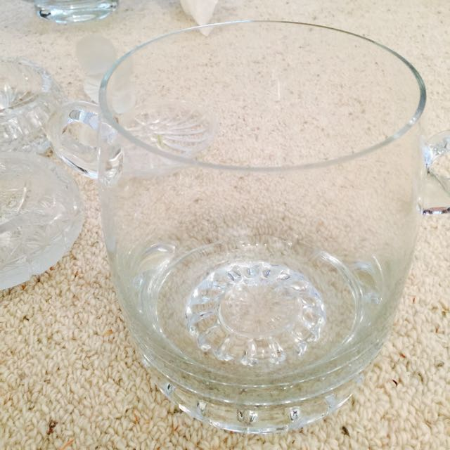 Crystals And Glasswares