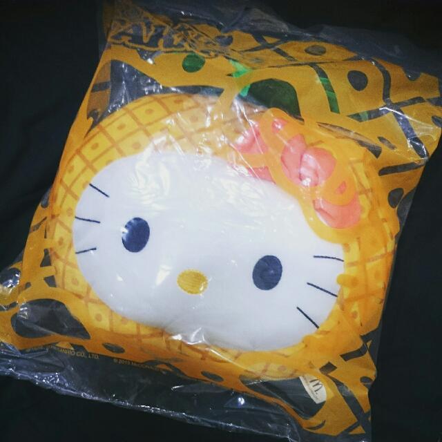 Kitty 鳳梨抱枕