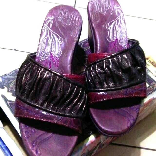 8.9.Macanna.麥坎納.精品女鞋.厚底紫色涼鞋.拖鞋.專櫃