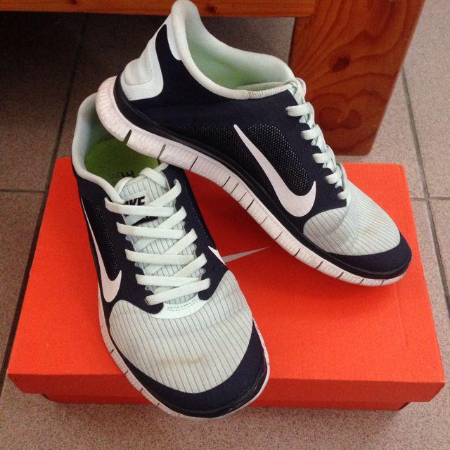 Nike free 慢跑鞋 六成新🌟 便宜出售喔~