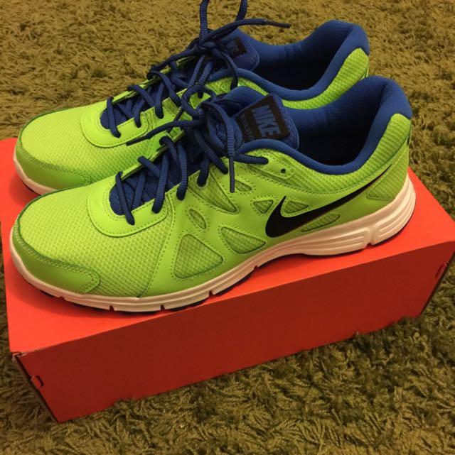 Nike MSL 螢光綠色極新慢跑鞋