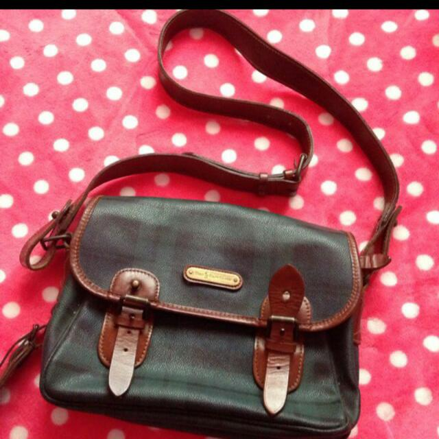 PRICE REDUCED! ! Vintage Polo Ralph Lauren Sling Bag, Women s Fashion on  Carousell f1d827373e