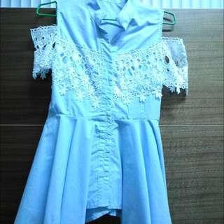 淺藍色蕾絲繡洋裝