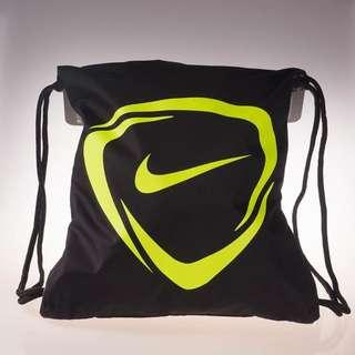 Nike標誌後背束口袋 只剩白色