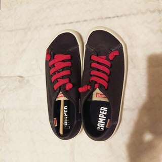 Camper 36號休閒鞋