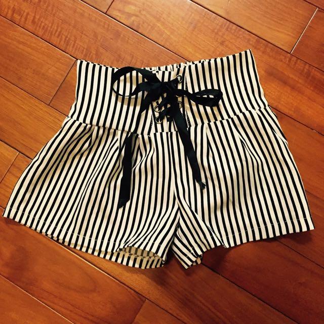 2手👋黑白條紋綁帶短寬褲