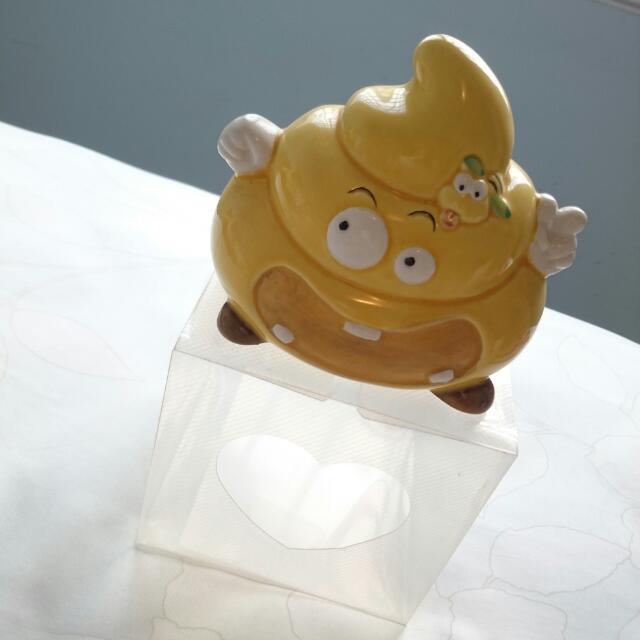 🎊全新🎊   便便造型黃色陶瓷存錢桶