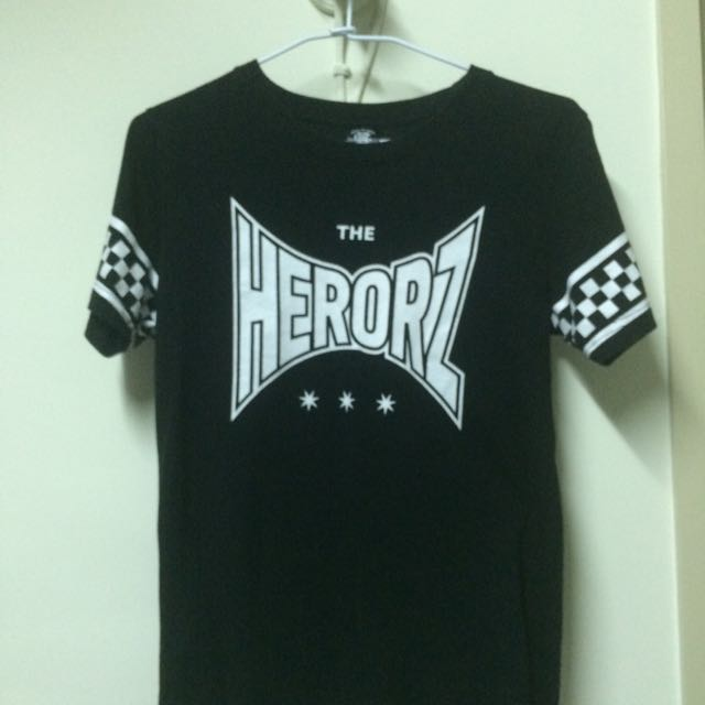 HERO黑色上衣