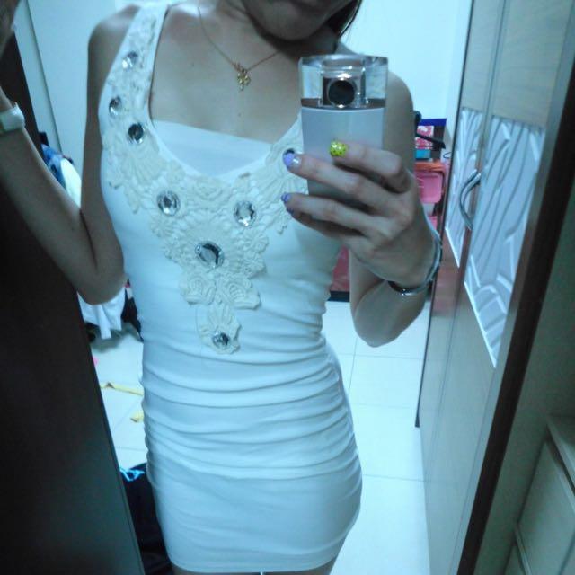 白色釀鑽Party服
