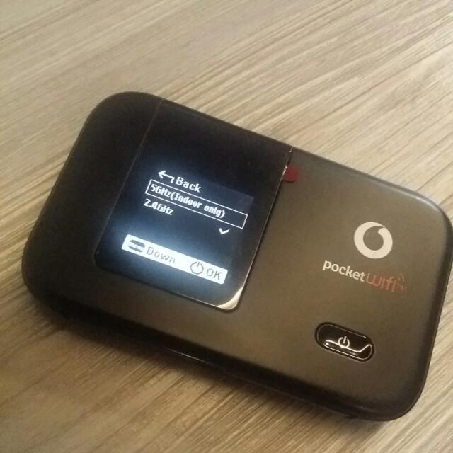 *Pristine!* Vodafone 4G Pocket WiFi/MiFi