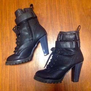 黑色中筒高根靴
