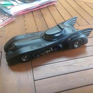 *PRICE REDUCED!!* Hot Wheels 1:18 Batmobil (1989)