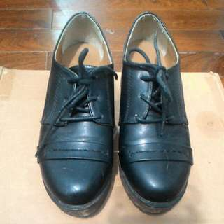 Lulu's 復古古著風黑色皮質木頭底厚底鞋 38號
