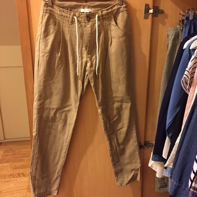[降價求售] fifty%寬鬆綁帶卡其長褲
