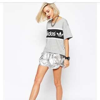 Adidas Original 時尚金屬銀色短褲 UK10 全新