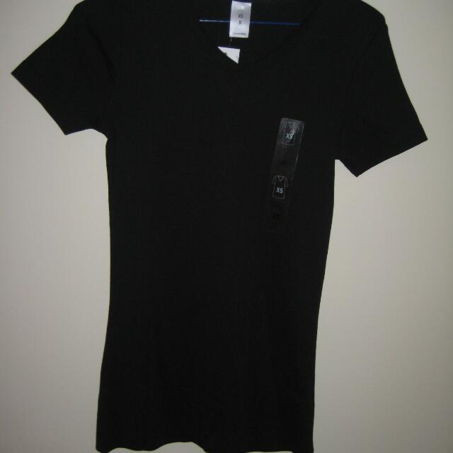 BLACK TSHIRT NEW