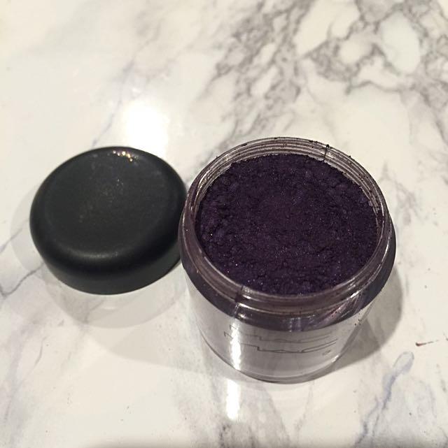 MAC Pigment Pot in Push The Edge